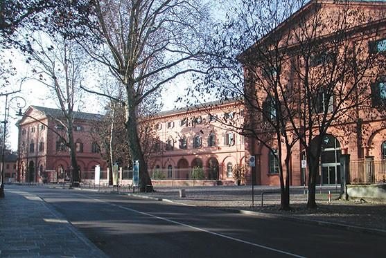 Universitat de Mòdena